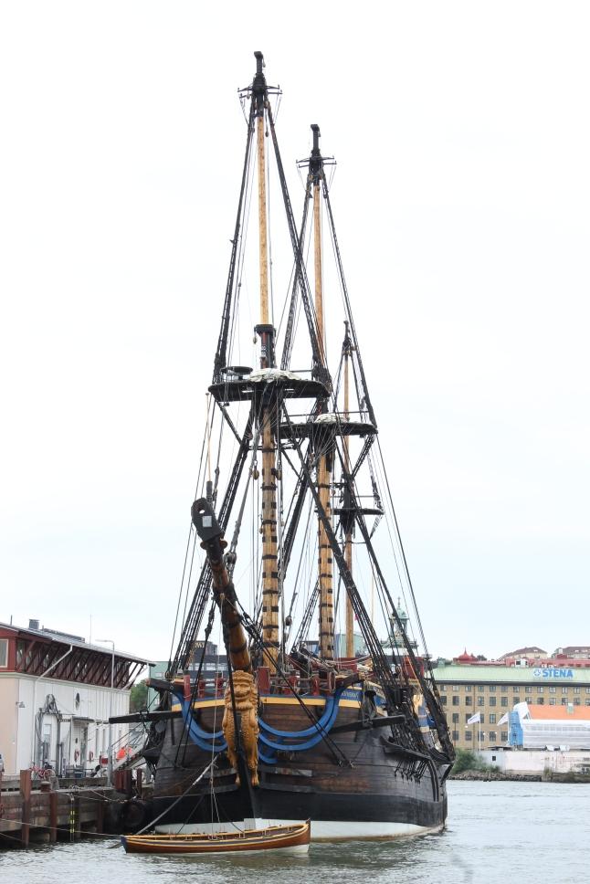 Ostindiefararen Götheborg. En replik av fararen som gick under1746 i Göteborgs hamninlopp.
